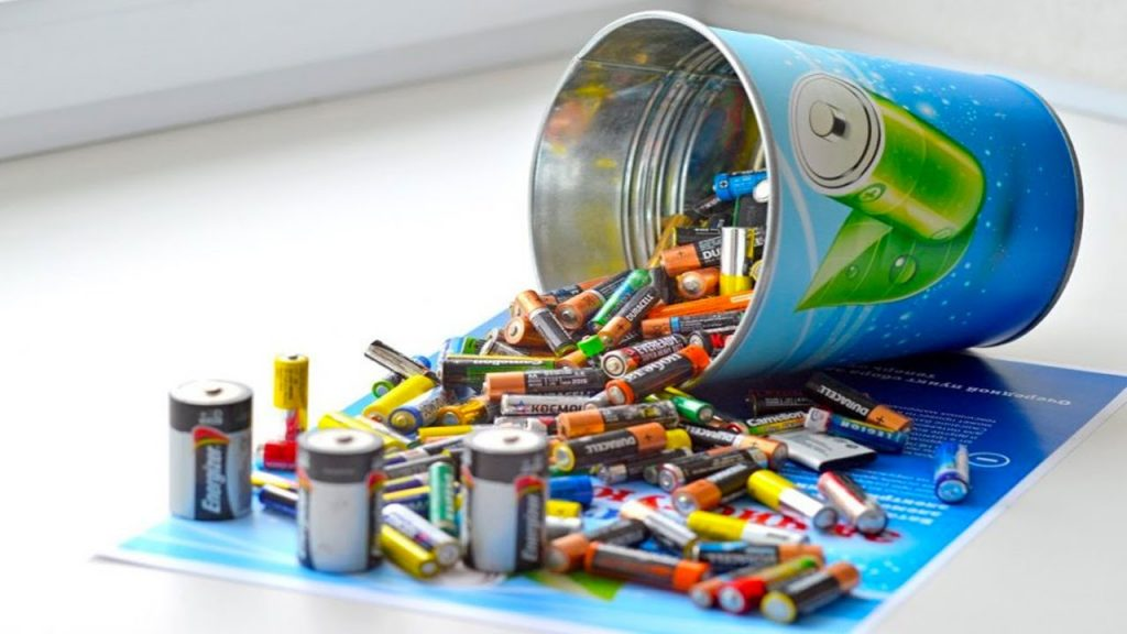 Как должна проходить утилизация батареек - maxresdefault1 1024x576